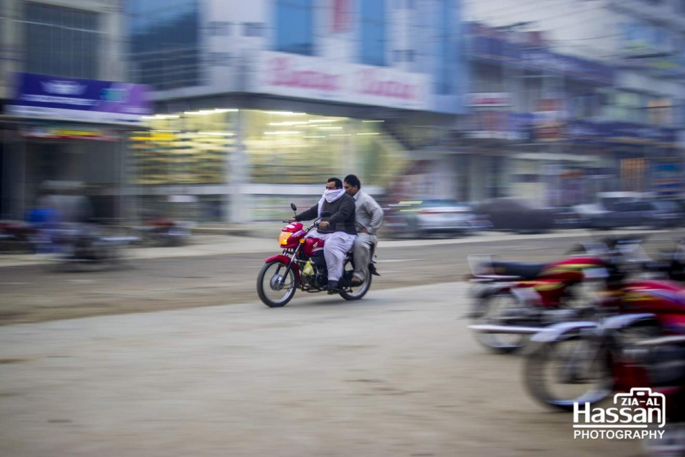 Motion-Blur-Of-A-Motorcycle-On-Road-1